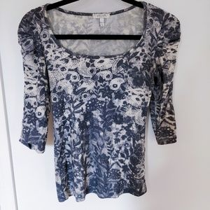 Grey/White Patterned 3/4 Sleeve Top